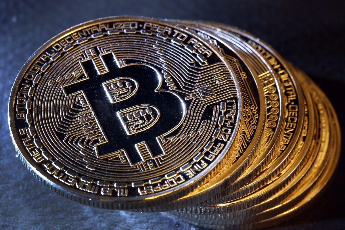 Nóng: Giá bitcoin leo thang trở lại, tăng 500 USD chỉ trong 10 phút - 1