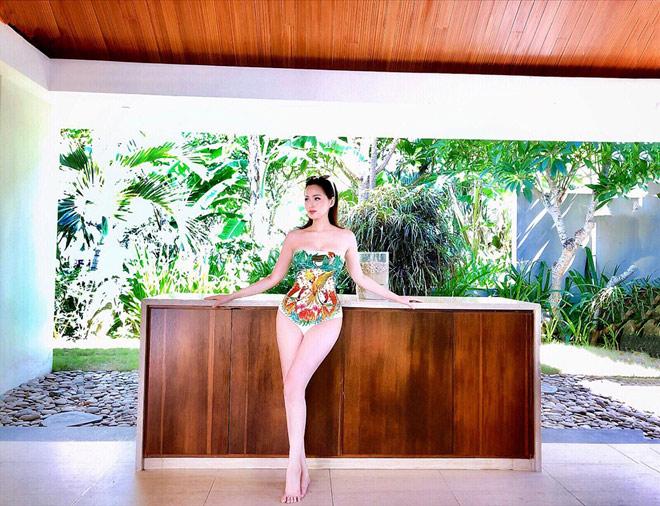 Tâm Tít mặc bikini gợi cảm dáng chữ S khiến fan xuýt xoa - 2