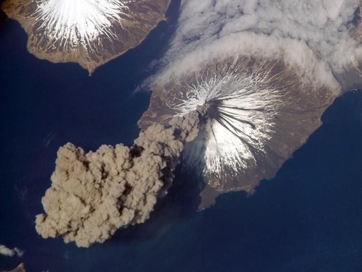 Bí ẩn quần đảo nằm giữa 2 siêu cường quốc trên thế giới - 6