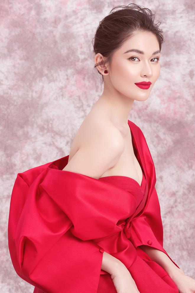 Á hậu Thùy Dung diện váy trễ vai mừng tuổi 23 - 2