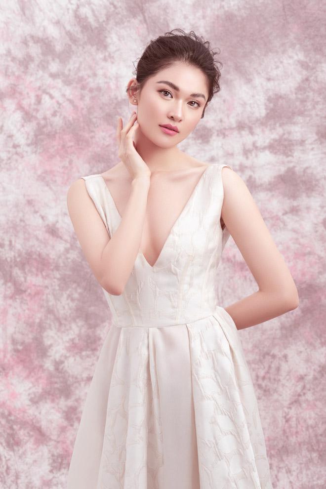 Á hậu Thùy Dung diện váy trễ vai mừng tuổi 23 - 9