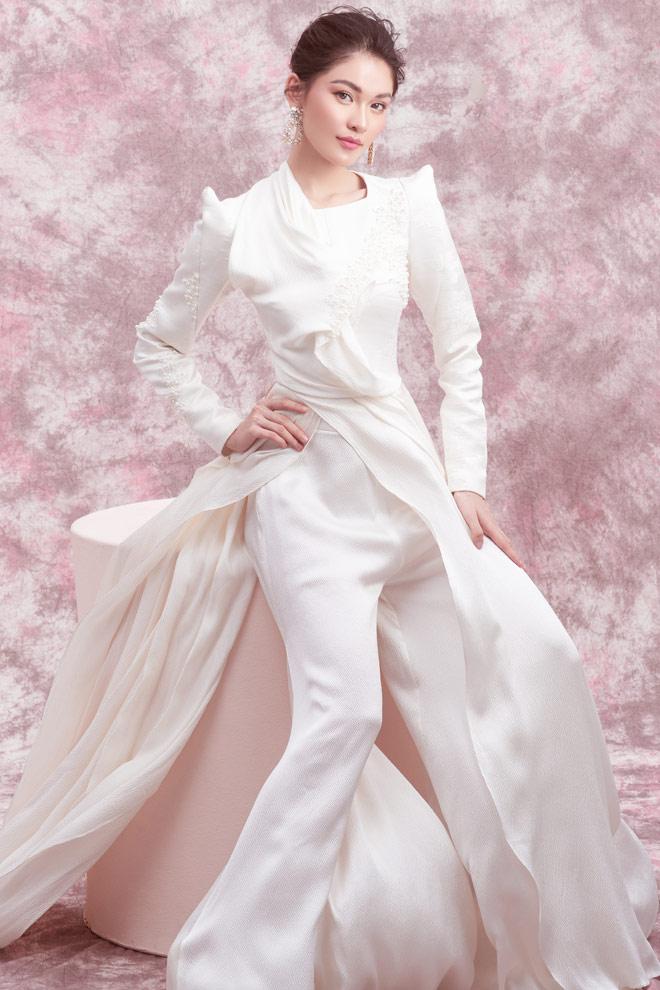 Á hậu Thùy Dung diện váy trễ vai mừng tuổi 23 - 11