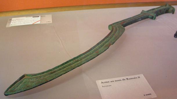 Sức mạnh thanh kiếm cong huyền thoại của đế chế Ai Cập cổ đại - 2
