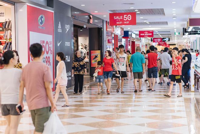 Giảm giá vượt ngưỡng 50% tại Vincom Red Sale 2019 - 2