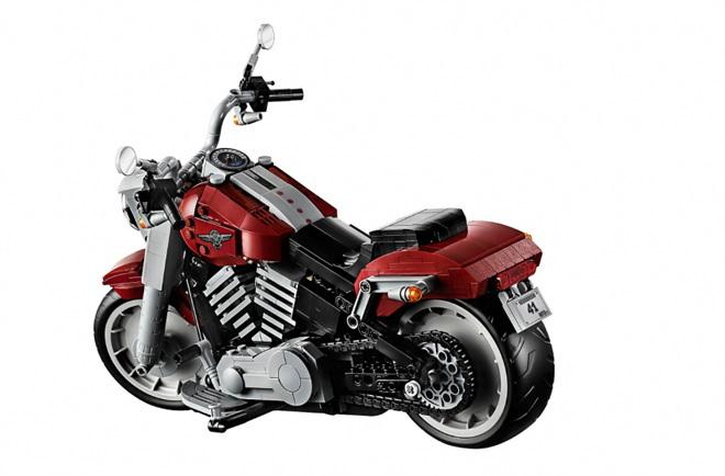 Cận cảnh mô tô Harley-Davidson Fat Boy lắp ráp bằng lego cực chất - 2
