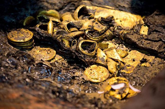 Khai quật mộ cổ 2.000 năm của hoàng đế TQ, phát hiện điều kinh ngạc - 2