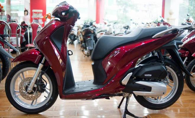 """Honda SH tiếp tục giảm giá """"kịch sàn"""" - 1"""