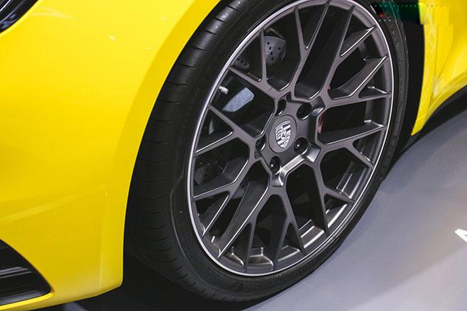 Porsche 911 Carrera S thế hệ mới chính thức có mặt tại Việt Nam - 4