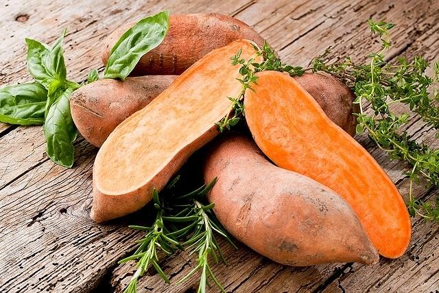 Không cần thuốc bổ, ăn khoai lang vừa tốt vừa chữa được nhiều bệnh nguy hiểm - 2