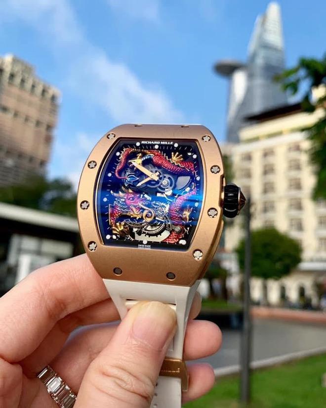 """Doanh nhân Minh Nhựa và câu chuyện đằng sau chiếc đồng hồ """"Hỏa Long"""" trị giá 1 triệu đô - 2"""