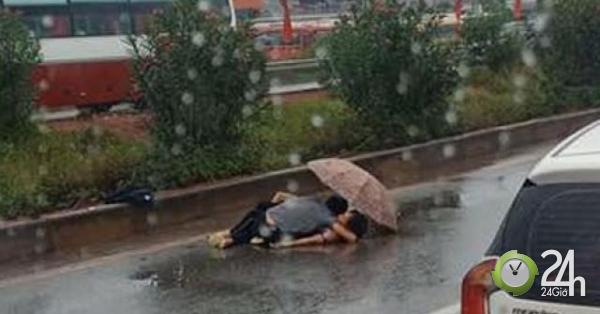 Vụ chồng ôm thi thể vợ gặp nạn dưới mưa: Xót xa trước gia cảnh nạn nhân - Tin tức 24h