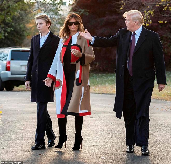 Sau hình ảnh thời trang xuề xòa có chủ đích của tổng thống Donald Trump - 6