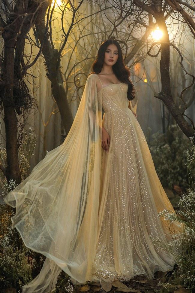Tiểu Vy đẹp tựa nữ thần với váy cưới corset cúp ngực - 8