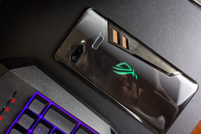 Các game thủ nhất định phải chờ chiếc smartphone cao cấp này - 1