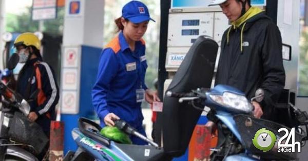 Giá xăng tăng lần thứ 2 liên tiếp từ 17h ngày 17/7