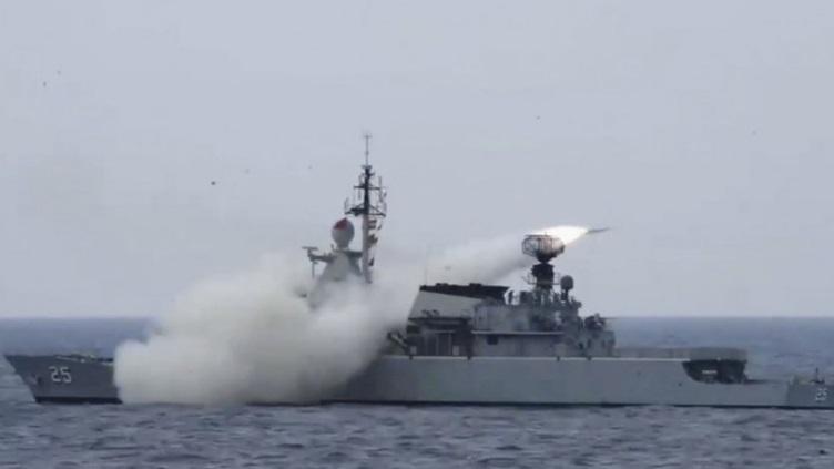 Quốc gia Đông Nam Á bất ngờ phóng tên lửa chống hạm, răn đe Trung Quốc? - 1