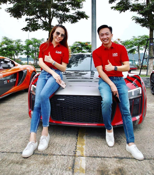Giữa tháng 6 vừa qua, anh cùng Đàm Thu Trang tham gia sự kiện Car Pasion 2019 với siêu xe R8V10 Plus trị giá 14 tỷ đồng.