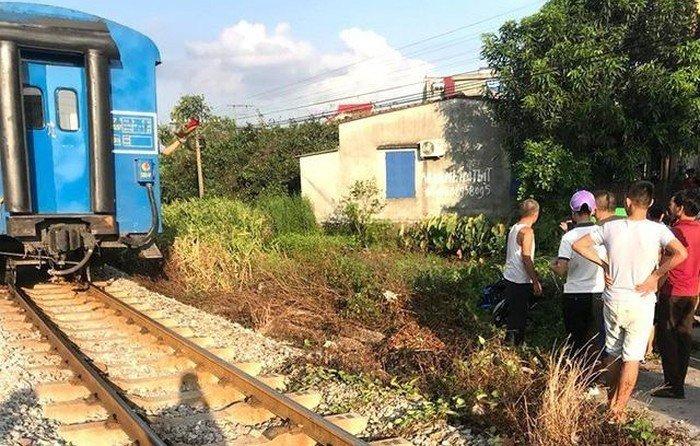 2 nữ sinh vừa đỗ lớp 10 tử vong thương tâm khi băng qua đường sắt - 1