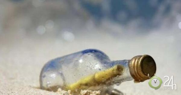 Phát hiện chiếc chai chứa bức thư 50 năm tuổi trôi dạt vào bờ biển Úc
