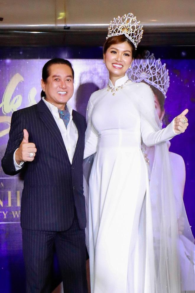Hoa hậu quê Vũng Tàu mở tiệc trên du thuyền lớn nhất sông Sài thành - 9
