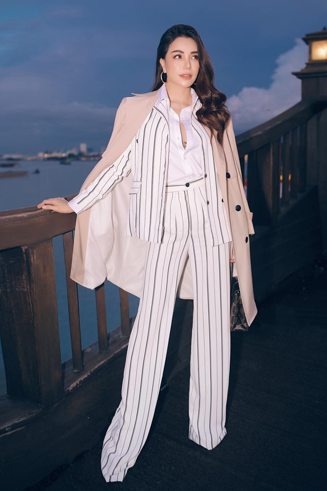 Hoa hậu quê Vũng Tàu mở tiệc trên du thuyền lớn nhất sông Sài thành - 8