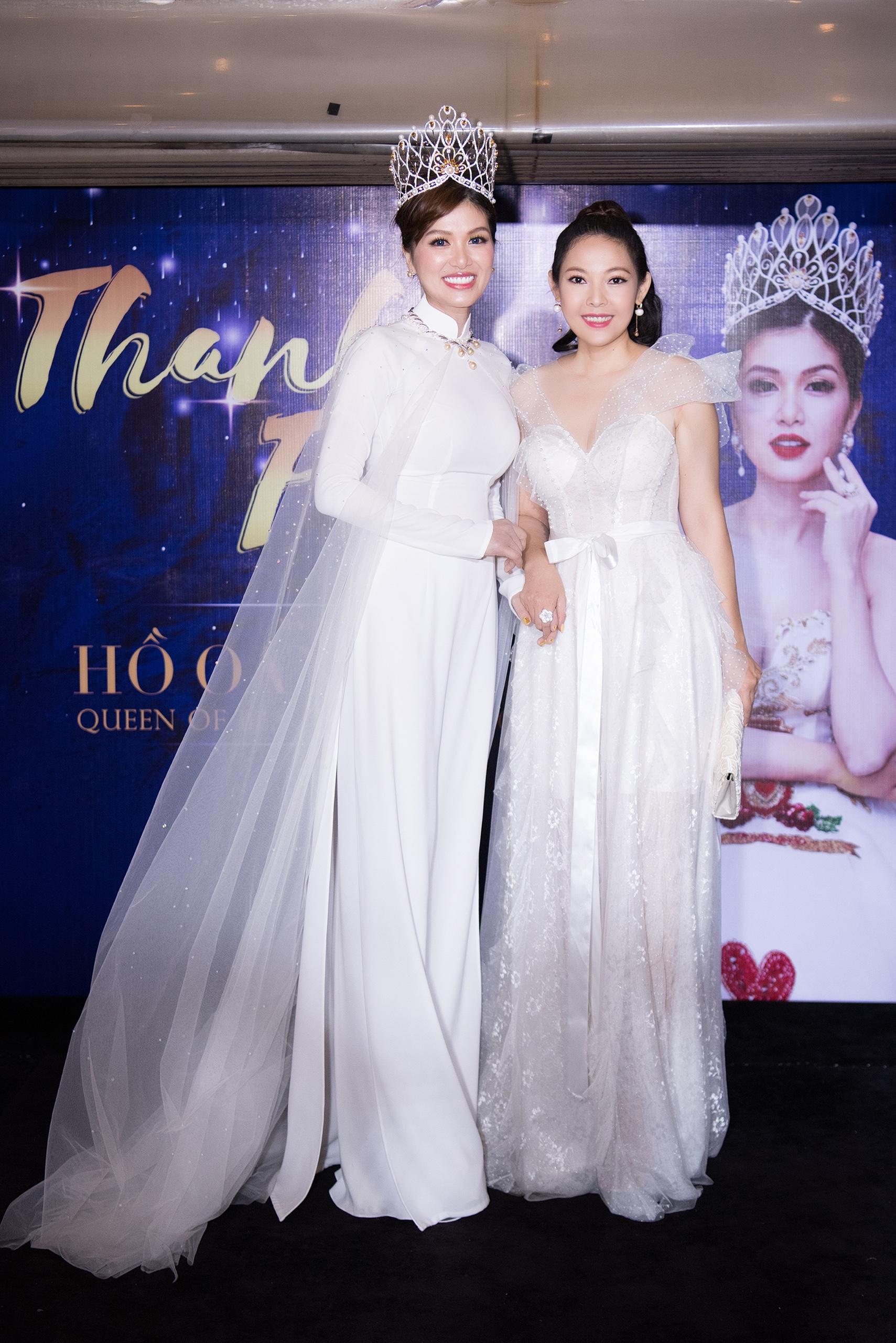 Hoa hậu quê Vũng Tàu mở tiệc trên du thuyền lớn nhất sông Sài thành - 14