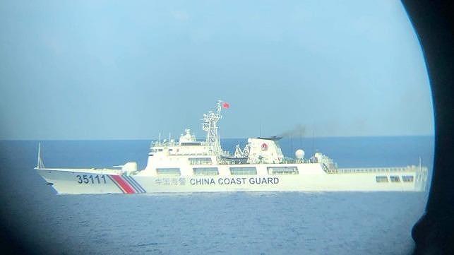 Tàu Trung Quốc ở bãi Tư Chính phạm luật quốc tế nghiêm trọng