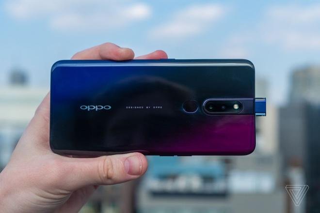 Top smartphone tràn viền, tầm giá 8 triệu - 3