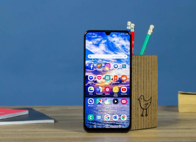 Top smartphone tràn viền, tầm giá 8 triệu - 2