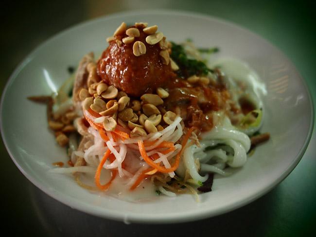 Khách nước ngoài mách nhau những món ăn đường phố cực kỳ hấp dẫn ở Sài Gòn - 5