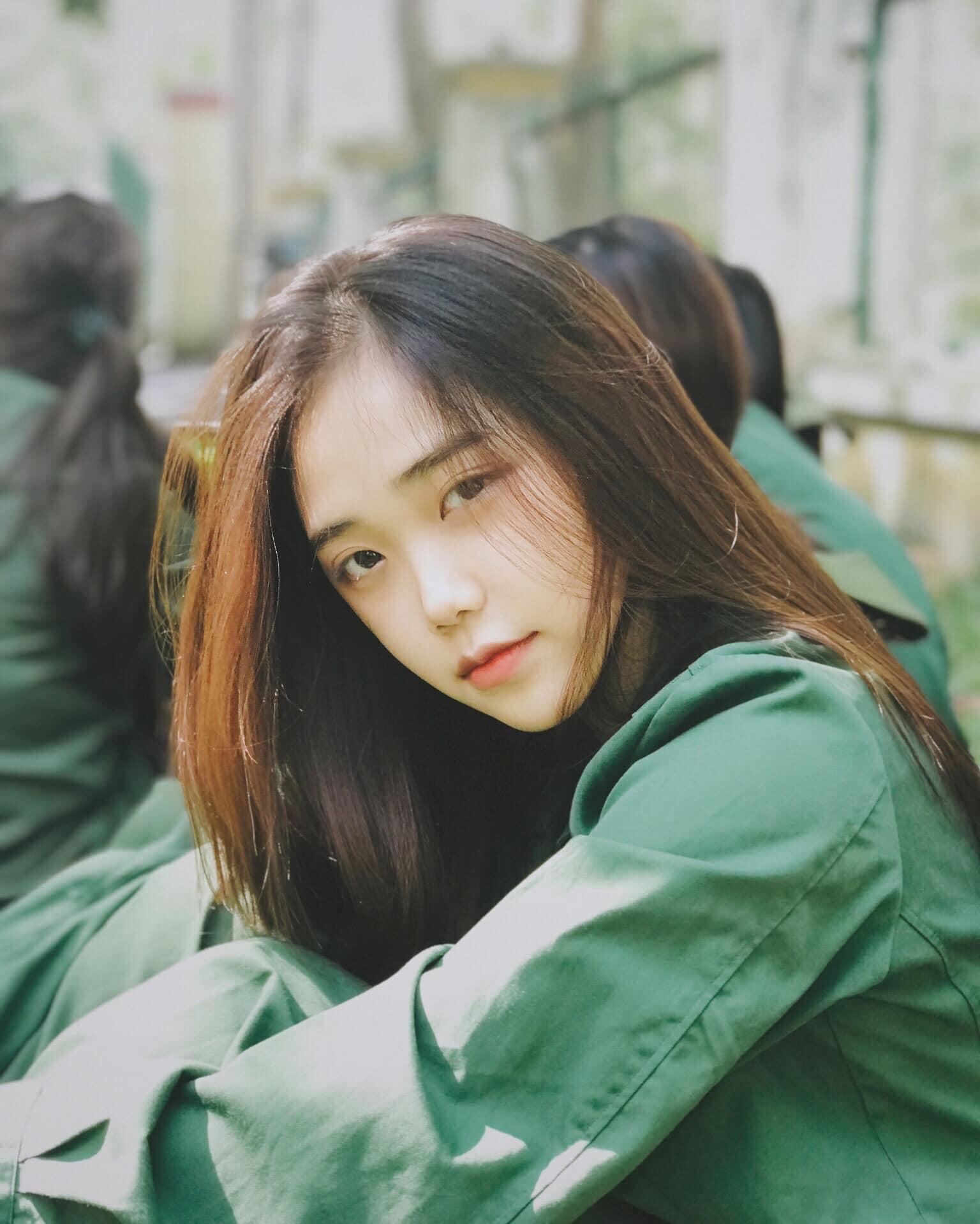 4 nữ sinh chưa tròn 20 hot nhất nhì Sài Gòn, Quảng Bình bị nghi sửa mặt vì quá xinh - 6