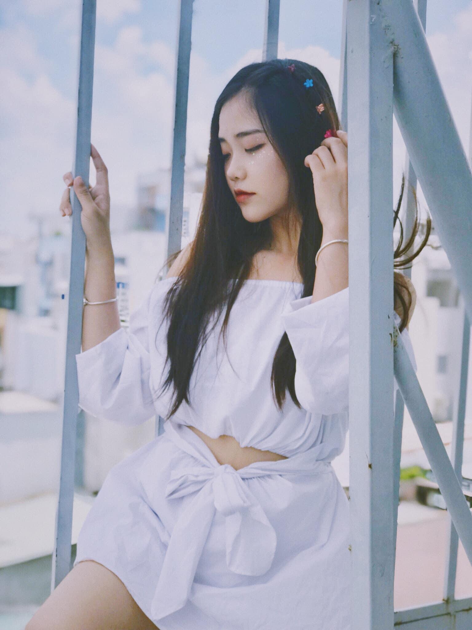 4 nữ sinh chưa tròn 20 hot nhất nhì Sài Gòn, Quảng Bình bị nghi sửa mặt vì quá xinh - 7
