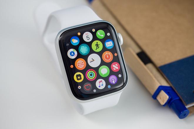 """Apple Watch sẽ có pin """"trâu"""" hơn, màn hình xịn hơn - 1"""