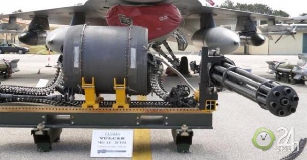 Hỏa thần 6 nòng chiến đấu cơ Hàn Quốc khai hỏa cảnh cáo oanh tạc cơ Nga