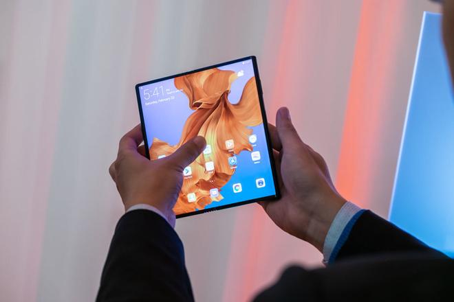 Huawei Mate X sẽ nhẹ hơn, pin bé hơn - 1