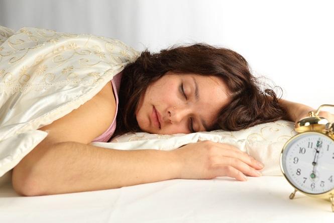 Ngủ kiểu này cực hại sức khỏe, nhiều người Việt đang làm hằng ngày - 4