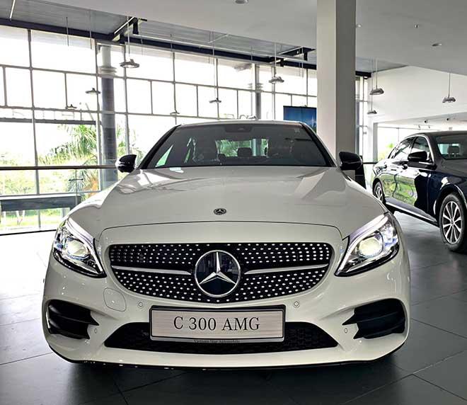 Cập nhật bảng giá xe Mercedes C-Class 2019 mới nhất, hỗ trợ 100% thuế trước bạ trong tháng 8 - 3