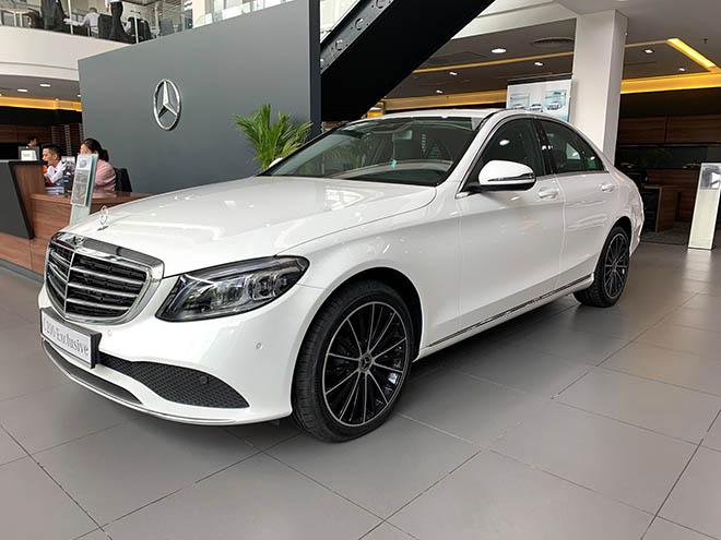 Cập nhật bảng giá xe Mercedes C-Class 2019 mới nhất, hỗ trợ 100% thuế trước bạ trong tháng 8 - 2