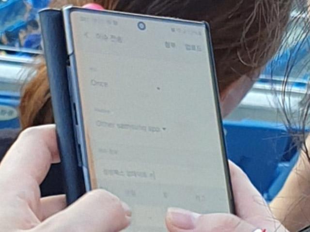 Galaxy Note 10+ bất ngờ xuất hiện trên tay trong đời thực