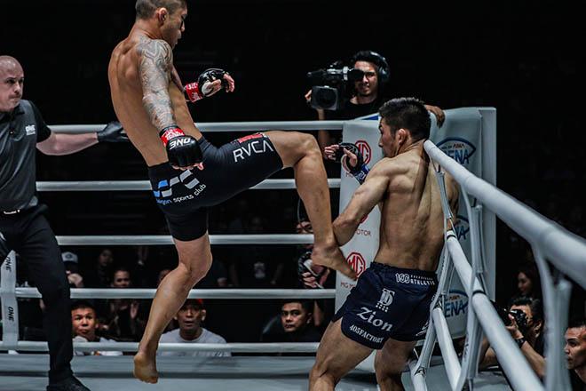 """Xem thường """"Vua MMA"""" gốc Việt Martin Nguyễn, võ sĩ Nhật trả giá đắt - 3"""