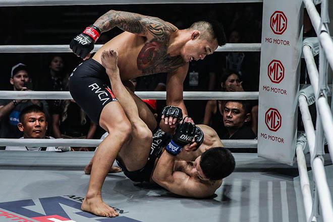 """Xem thường """"Vua MMA"""" gốc Việt Martin Nguyễn, võ sĩ Nhật trả giá đắt - 4"""