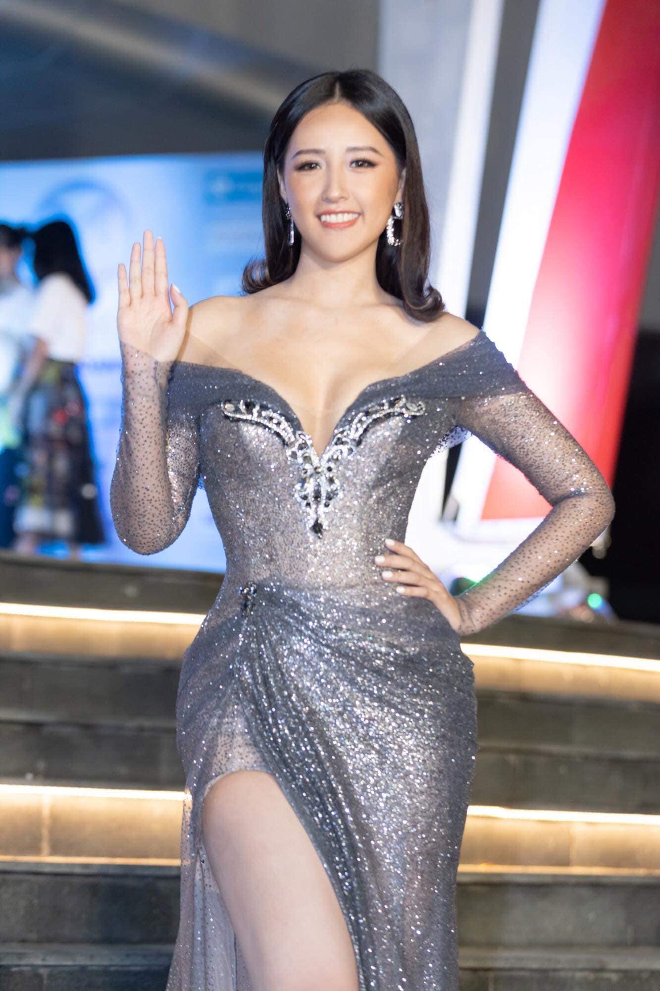 Chiếc đầm của Mai Phương Thúy là bộ váy bị bàn tán nhiều đêm qua - 4