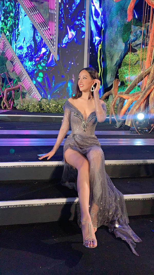 """Mai Phương Thúy thanh minh về váy hở đêm chung kết:""""Tôi không thể lộ vòng 1 được!"""""""