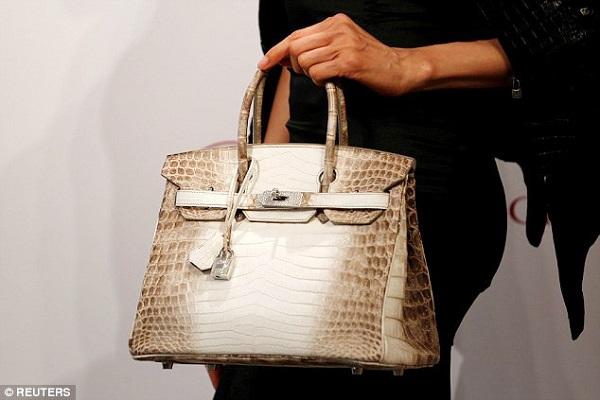 Chiếc túi đặc biệt giá hơn 11 tỷ mà giới nhà giàu tranh nhau mua - 1