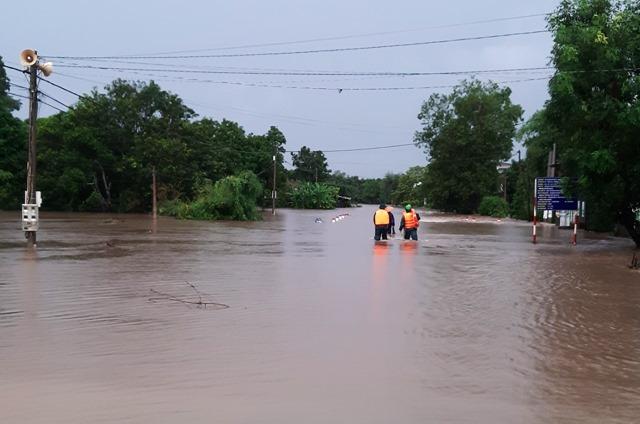 Nhiều khu vực ở Đắk Lắk bị nhấn chìm sau trận mưa khủng khiếp - 4
