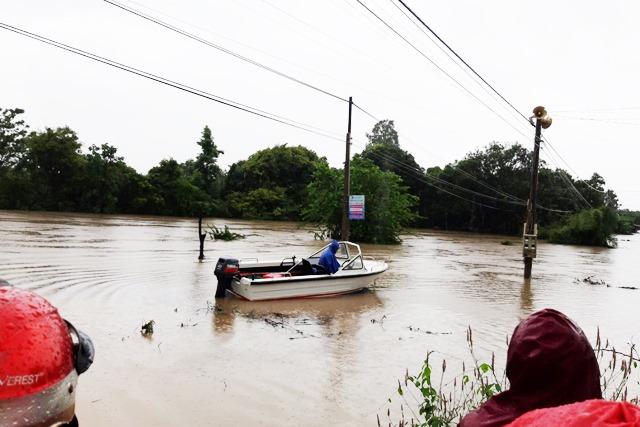 Nhiều khu vực ở Đắk Lắk bị nhấn chìm sau trận mưa khủng khiếp - 5