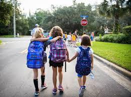 Dạy ngay cho bé những quy tắc an toàn khi đi xe buýt của trường - 2