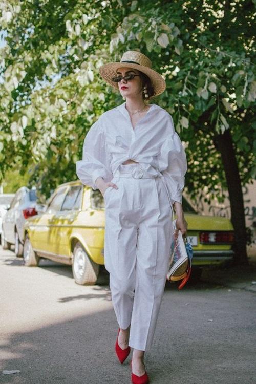 Quy tắc thanh lịch dành cho nữ công sở mê quần trắng - 2
