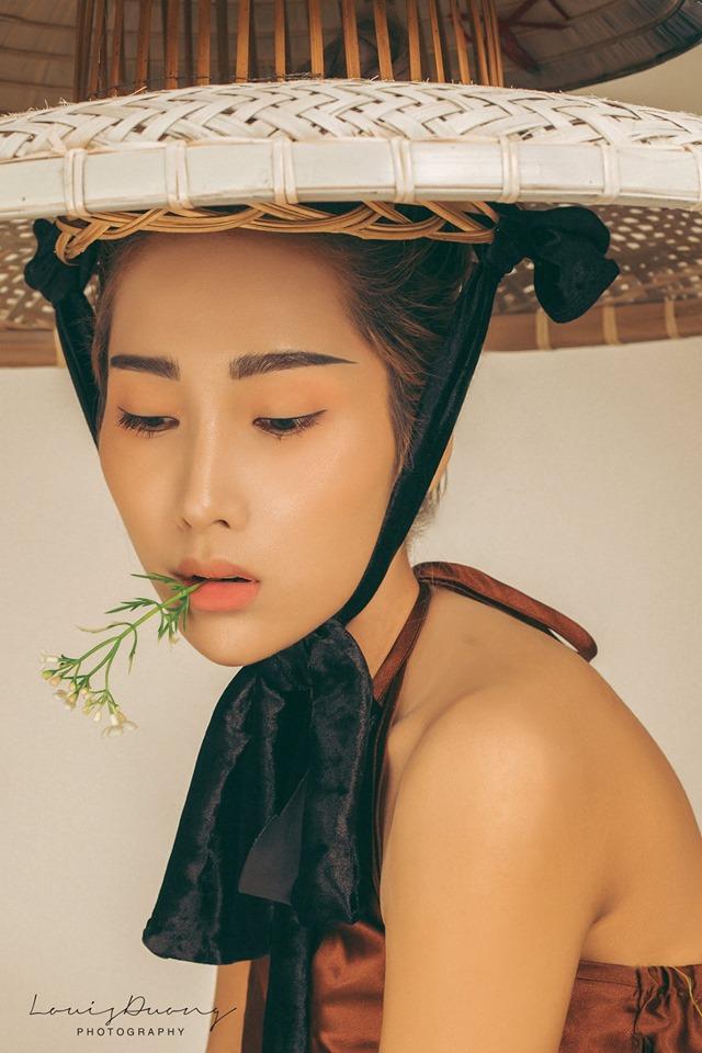 Cô gái Đà Nẵng gây xôn xao vì có vòng eo chỉ bằng 2 gang tay - 8