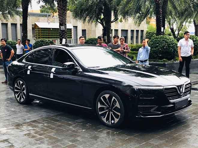 Vinfast tổ chức sự kiện lái thử xe hơi cho nhân viên tập đoàn Vingroup - 4